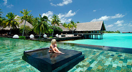 Минчанка: «Трудясь на круизных лайнерах и в мальдивских отелях, действительно можно заработать на квартиру. Но я все равно вернулась в Беларусь»