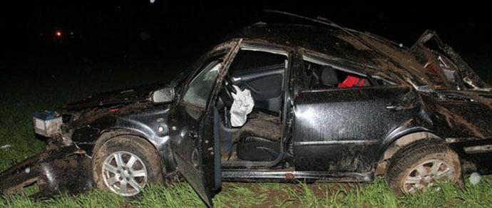 Под Лидой непристегнутый водитель Skoda при опрокидывании автомобиля вылетел из салона и погиб