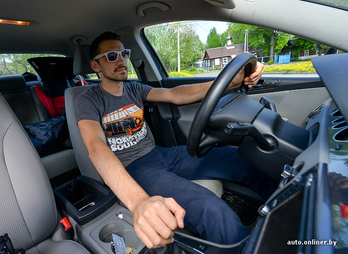 смотреть секс с личным водителем на водительском сиденье