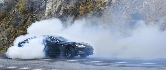 Владельцы Tesla Model S проехали в общей сложности больше миллиарда миль