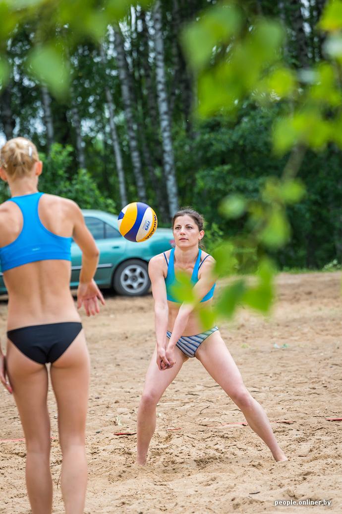 Пляжный волейбол без трусов фото 754-311