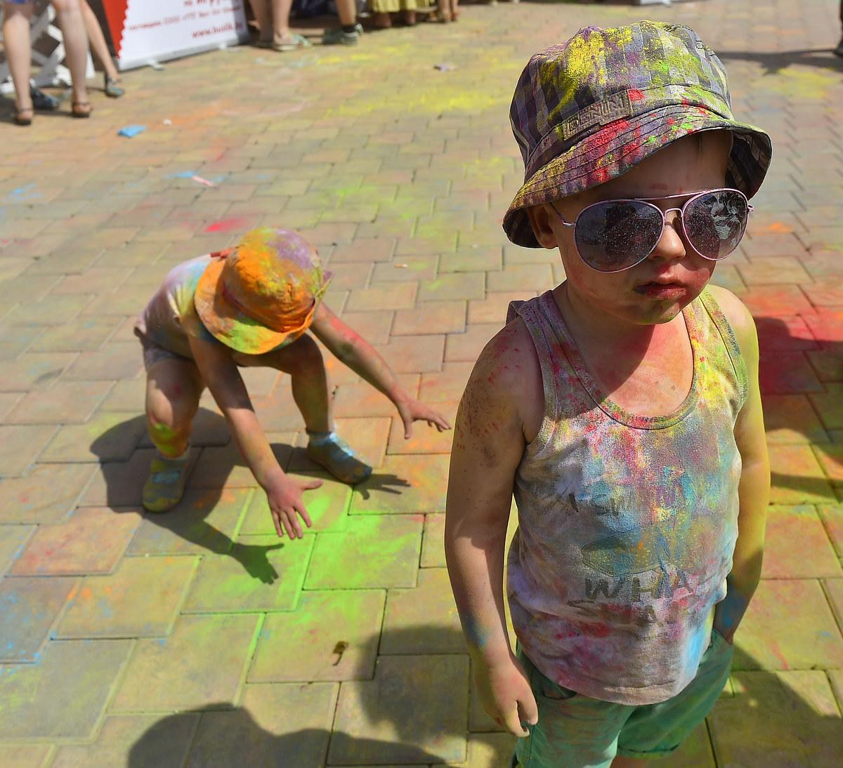 Детский цветной фестиваль в Днепре