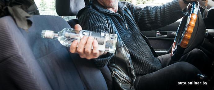В Минске второклассник помог задержать пьяного водителя, который ездил по тротуару, а потом уснул в машине