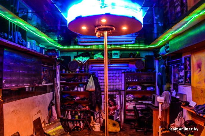 Стриптиз в клубе гараж московские i ночные клубы