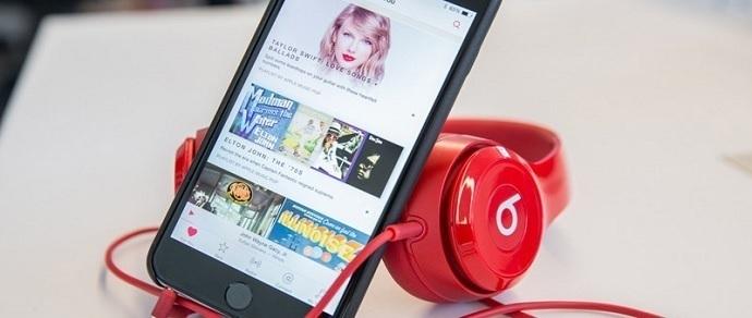 Apple пригрозила тюрьмой владельцам iPhone с джейлбрейком