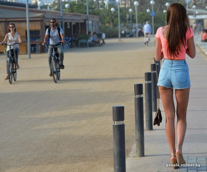 Большие пре на улицах городов женщины без комплексов