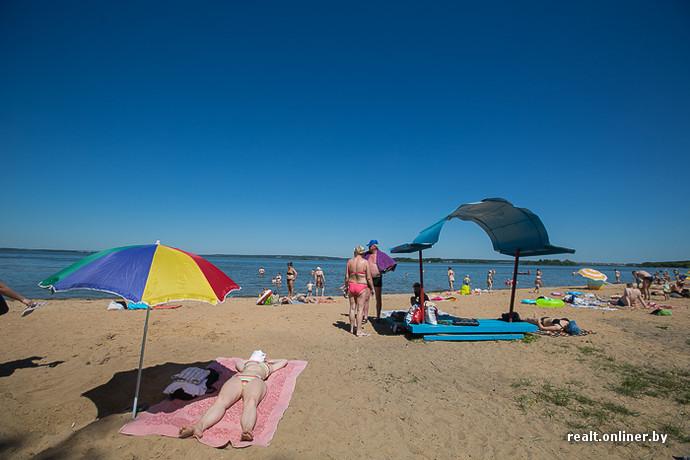 Голые девочки в пляжной кабинке фото 60-893