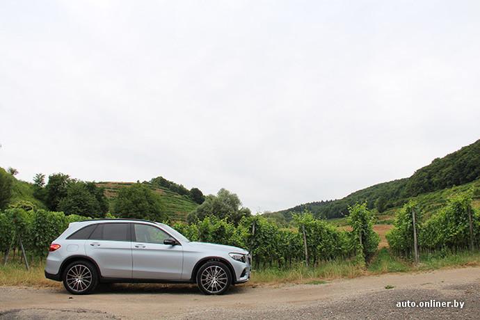 Mercedes GLC стал на 120 мм длиннее, на 50 мм шире и на 9 мм выше предшественника. Колесная база увеличилась на 118 мм по сравнению с GLK. Клея стала больше на 47 и 20 мм спереди и сзади соответственно