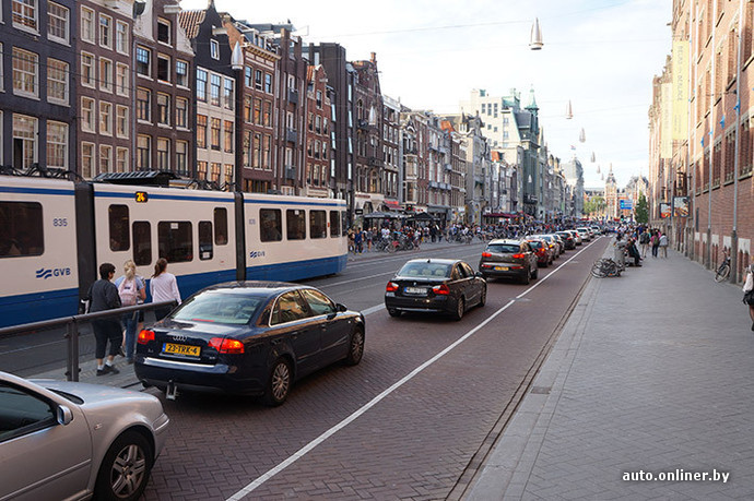 Изучаем велодорожки Амстердама. Город, где велосипедов больше, чем людей