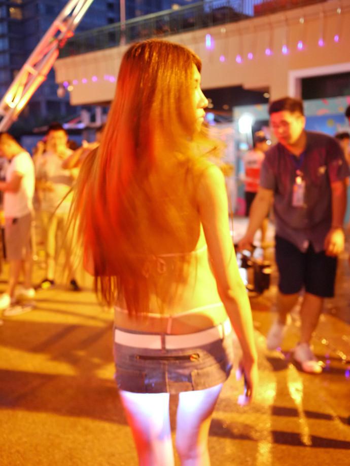 изобретательница мини юбки с подсветкой фото