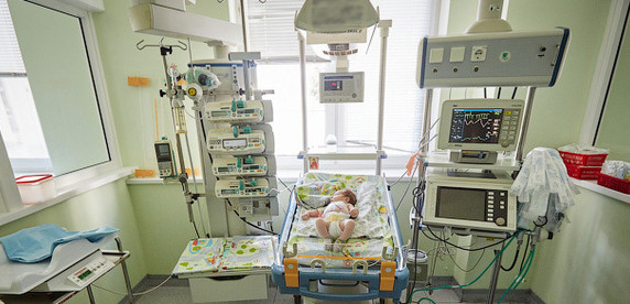 Жизнь как подарок. Репортаж из реанимации единственного в Беларуси центра детской хирургии