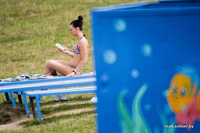 Голые девочки в пляжной кабинке фото 60-551