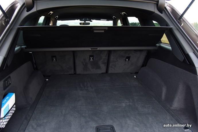Объем багажника 890 литров если мерять от пола до потолка. Сложите задний диван, и эта цифра вырастет до 2075 литров. Есть, кстати, опциональный третий ряд сидений