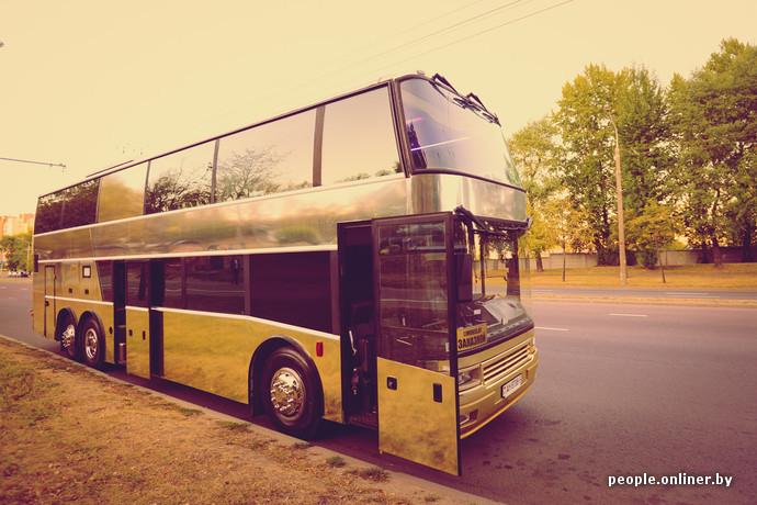 ruka-v-trusah-avtobus-lesbiyanka