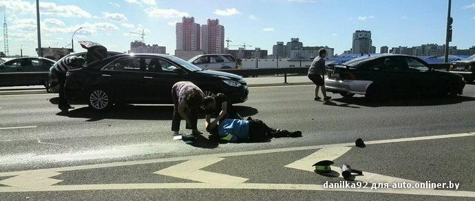 На МКАД сбили сотрудника ГАИ. Пострадавший доставлен в больницу