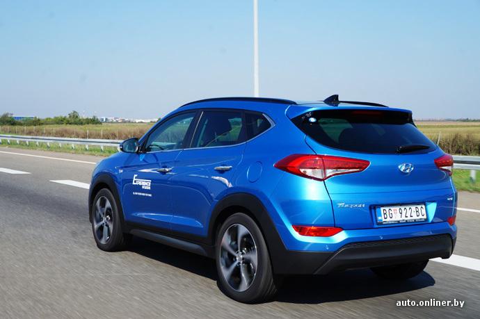 Если передняя часть Hyundai Tucson похожа только на Santa Fe, то сбоку и сзади можно увидеть цитаты Ford Kuga и Nissan Qashqai. Впрочем, это не портит дизайн