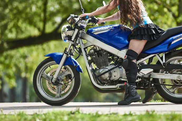 езда на мотоцикле эротическое видео