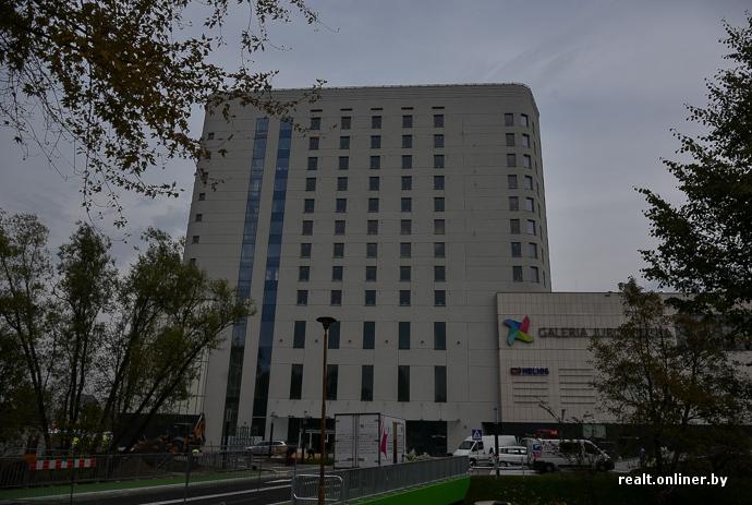 91c56f1f8b8a В ТЦ будет 3 этажа, около 140 различных магазинов, парковка на 460 мест,  «Макдональдс». Бренды привычные для Польши  Reserved, Adidas, CCC, Smyk,  Rossmann и ...