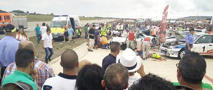 Мальта: Porsche 918 влетел в толпу зрителей во время шоу суперкаров. Пострадал 21 человек