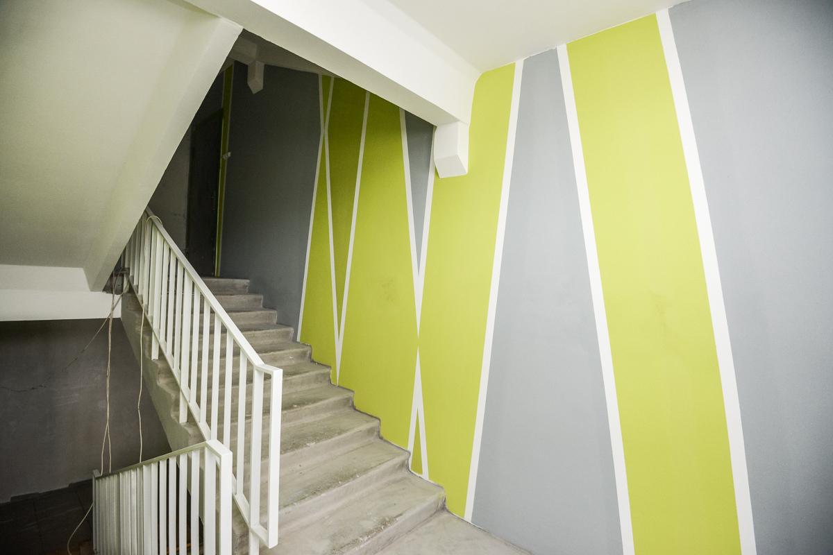 как покрасить стены в подъезде фото как будто здесь