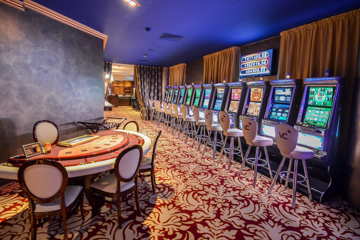 Казино виктория вакансии казино смотреть онлайн 1995 года фильм