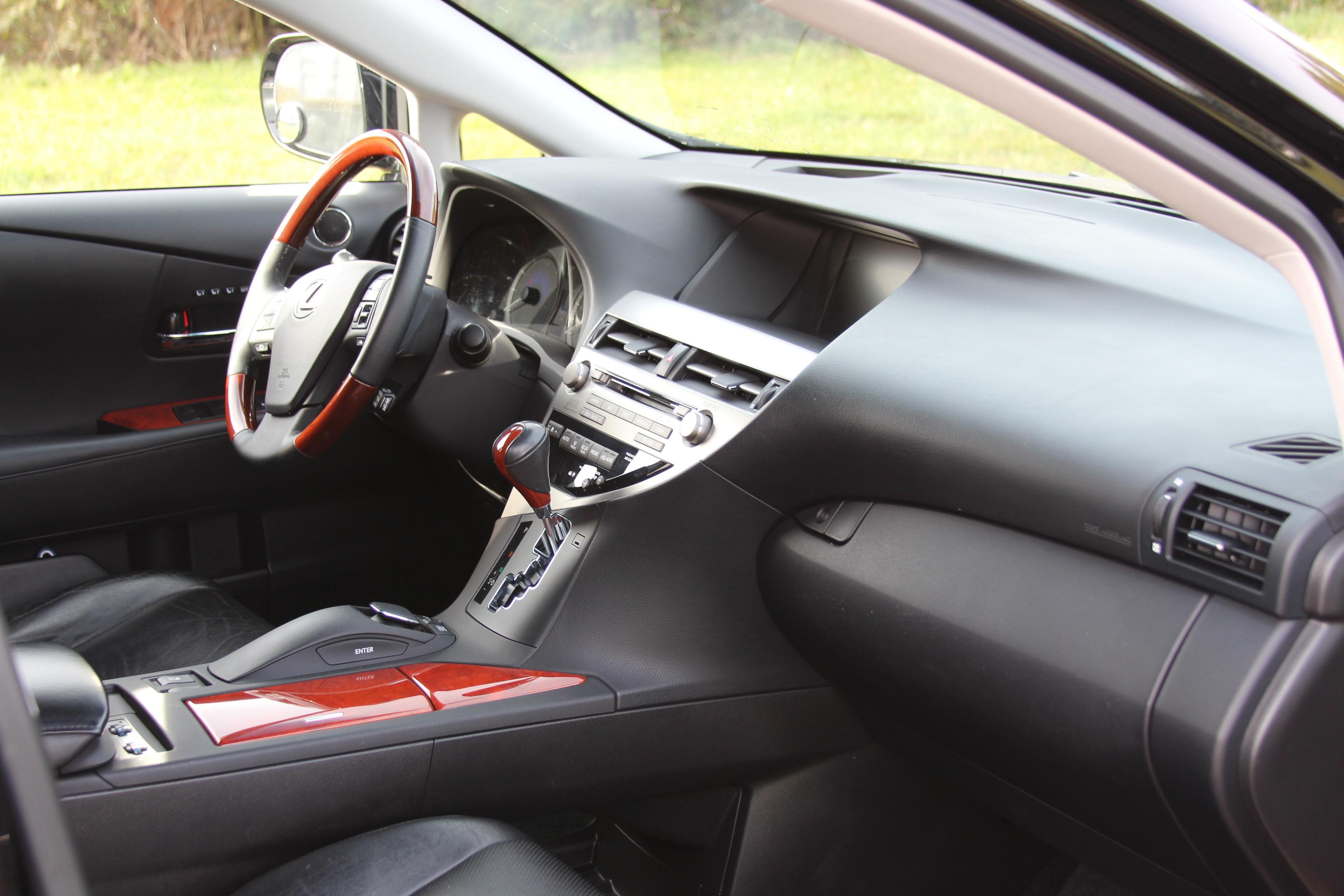 Переднеприводный Lexus RX 450h обойдется европейцам в 55 200 евро