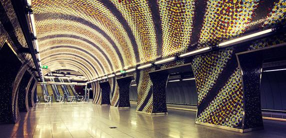 Топ-10 самых красивых станций метро в мире