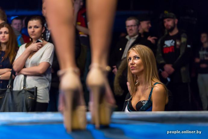 Видео красивые девушки избивают друг друга на ринге фото 465-460
