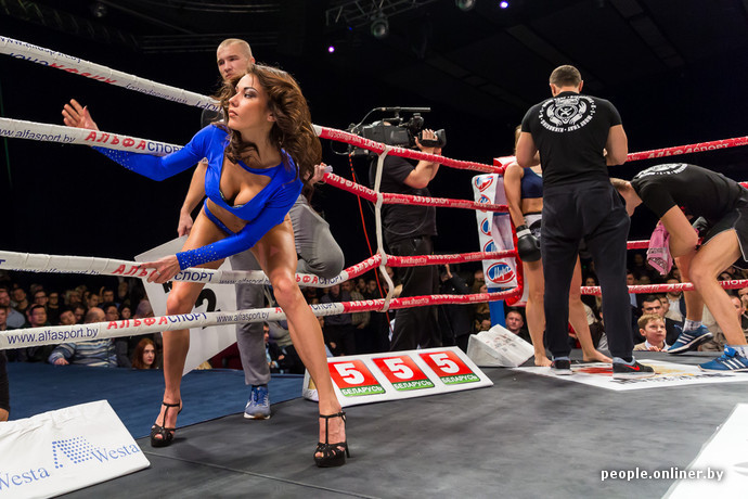 Видео красивые девушки избивают друг друга на ринге фото 465-496