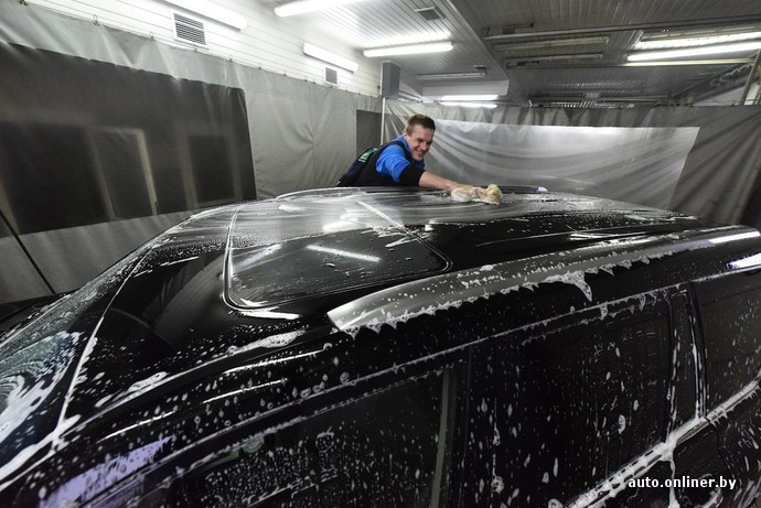 Приехала помыть машину он ее в попу
