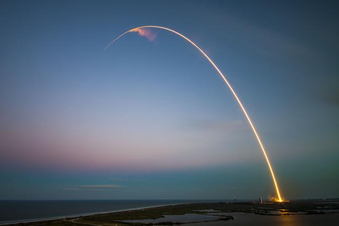 Ракета Falcon 9 с пятой попытки стартовала с космодрома во Флориде
