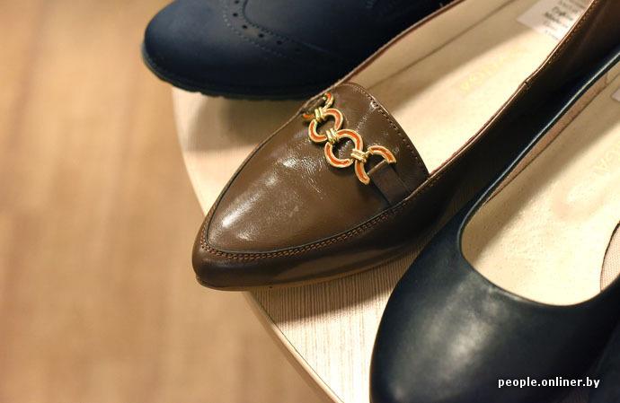 1f19500d37ba Но кто-то взял и в последний момент пришпандорил на каблук вот эту  серебряную накладку! Испоганил неплохую вещь. И так во многих случаях с  нашей обувью.