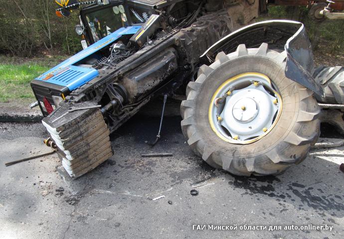 Ночью на МКАД фура врезалась в трактор   водитель МТЗ.