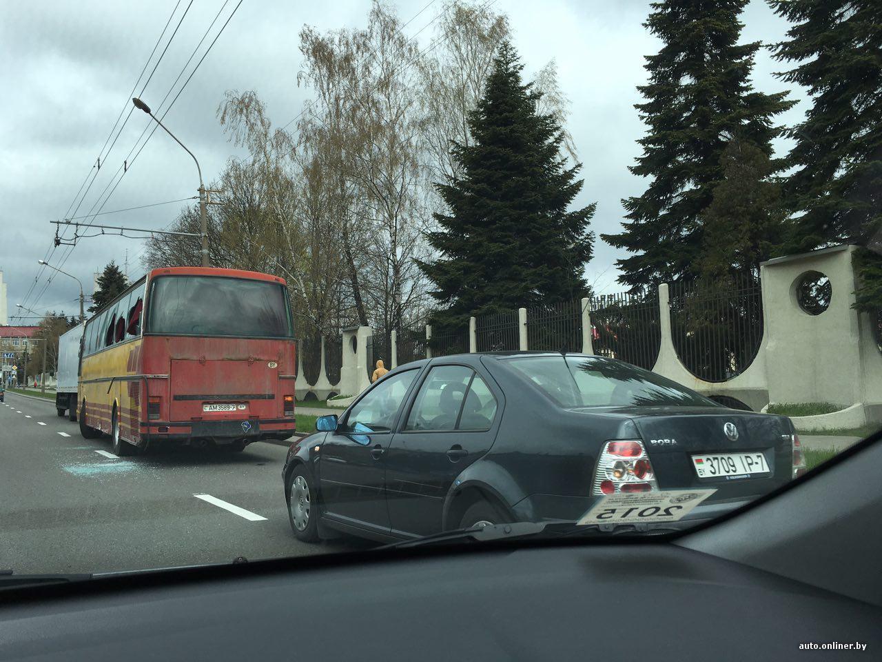 razvleksya-s-devushkoy-v-avtobuse-zhenskie-paltsi-nog-russkih-znamenitostey-kartinki