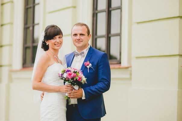 Секс с невестами во время свадьбы и как раздеваются-одеваются для разносчиков пиццы