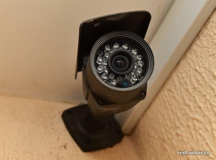 smotret-skritie-kameri-v-tualetah-vremya-realnogo-vremeni-foto-sosushih-sester