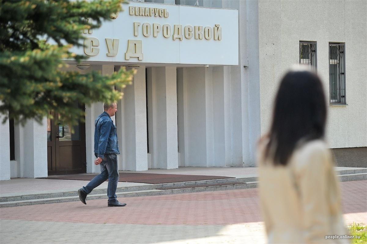 redkost-kogda-devushka-bistro-zavoditsya-tolstih