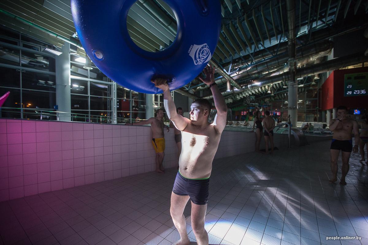 Подцепил телок в аквапарке, порно фильм на солнечной полянке