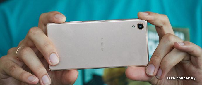 «Середняк» по цене флагмана. Обзор смартфона Sony Xperia X