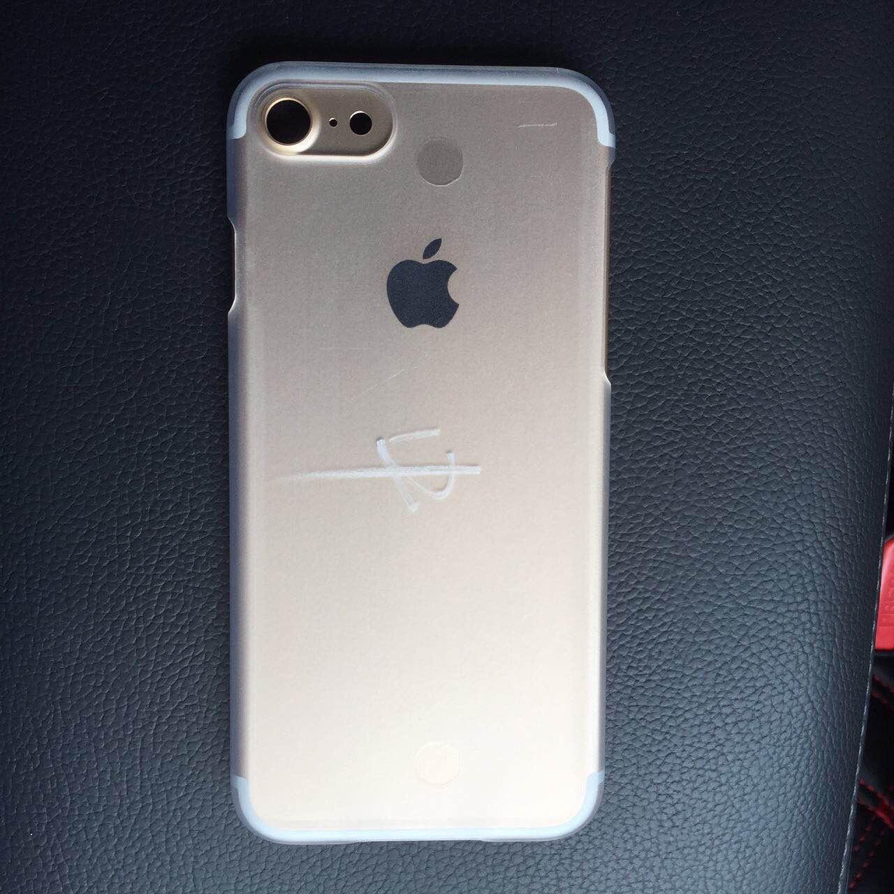 На новоиспеченной фотографии у телефона Apple iPhone 7 снова одна камера