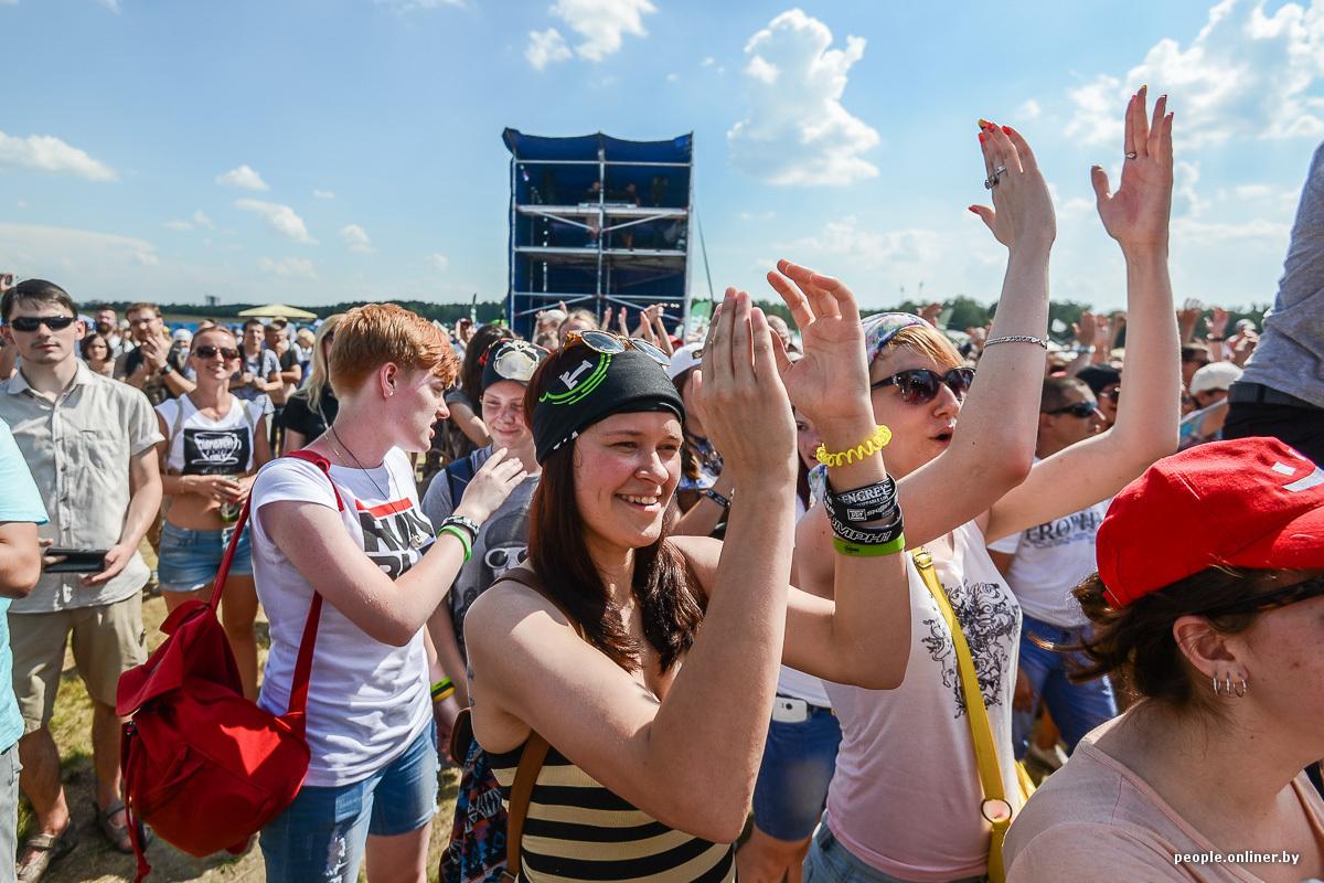 Публичный секс на рок концерте группы rock beach смотреть онлайн