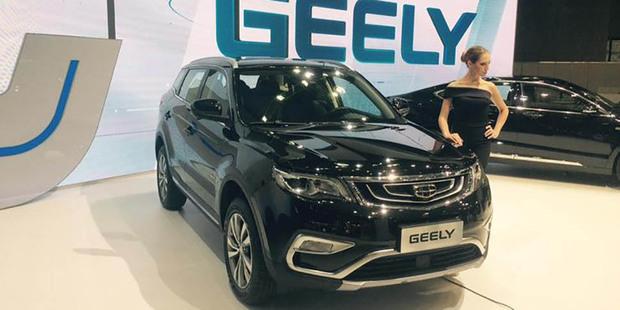 Geely показала в Москве две белорусские новинки: седан Emgrand GT и кроссовер NL3