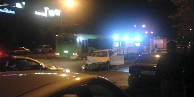 Очевидцы: на столичной улице водитель допустил ДТП с 7 участниками