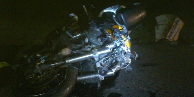 На трассе М1 мотоциклист врезался в разворачивающийся грузовик. Двое байкеров перед ним успели проскочить