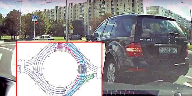 «Я ж налево показываю»: на водителя Mercedes составили протокол за создание аварийной обстановки на площади Бангалор