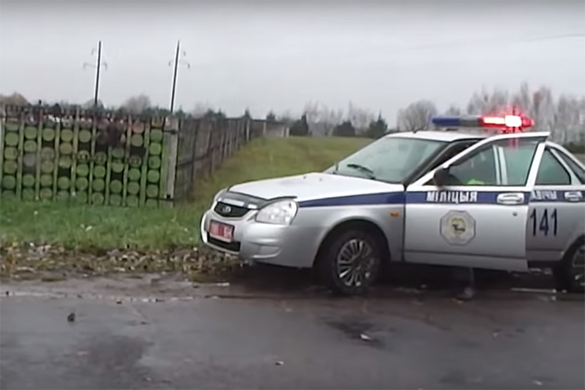 Мужчину, вызвавшего «102» на установщика камеры со словами «Грабеж на дороге», обязали удалить ролик