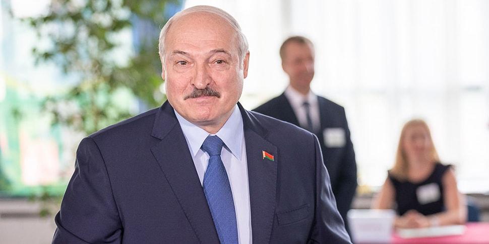 Лукашенко проводит совещание по санкциям: «Никаких разговоров о том, что мы  можем где-то недобрать, сократить темпы, прирост нашей экономики»