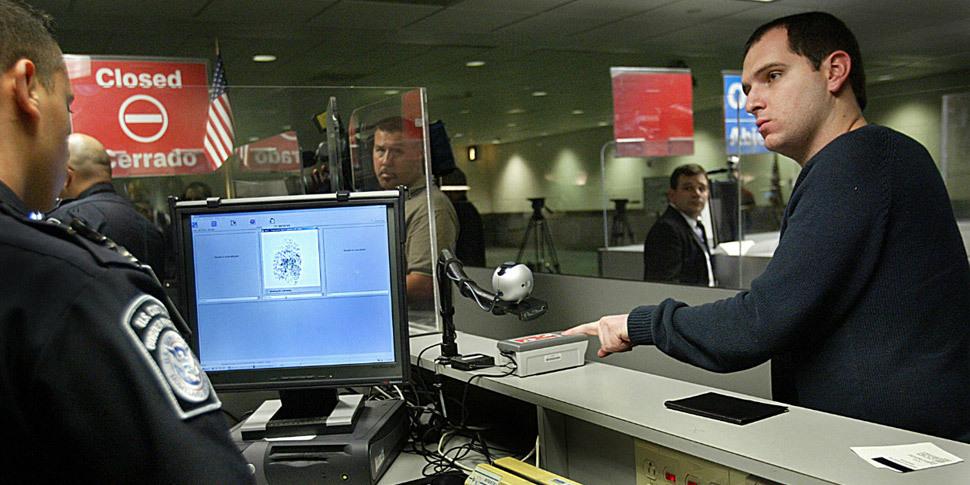 Американские власти требуют от туристов указывать свои аккаунты в соцсетях / Новости :: Клуб Microsoft и Nokia
