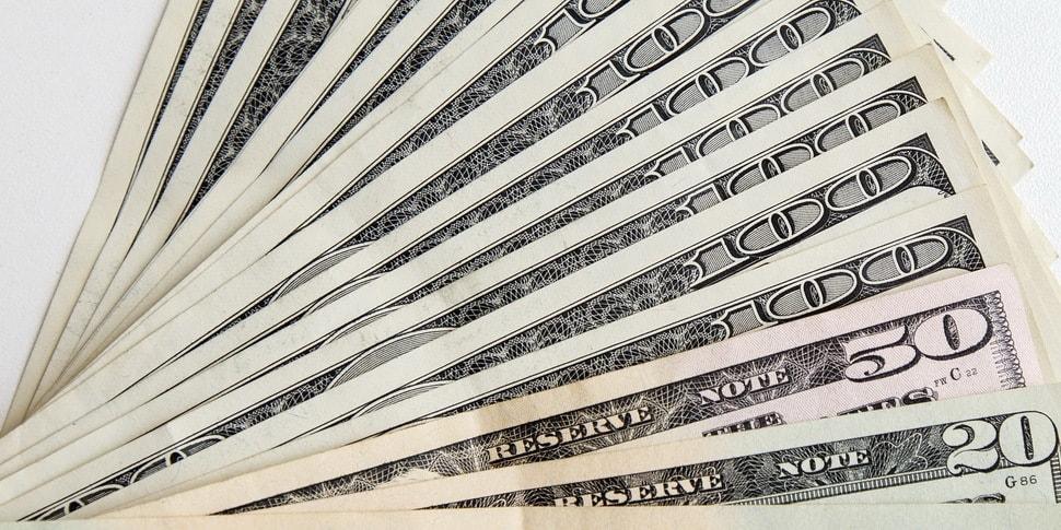Ящик с полутора миллиардами долларов не впустили в Беларусь. А могли бы зажить...