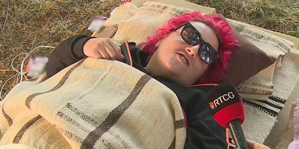 В Черногории закончился фестиваль лени: рекордсменка пролежала 117 часов за 300 евро